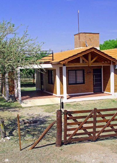 Inmobiliaria-Cabaña-en-Carpintería-para-6-personas-con-pileta-exclusiva-01